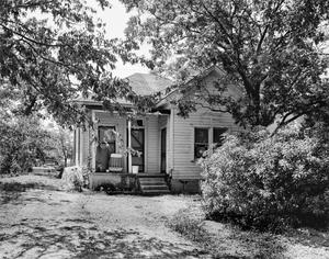 Primary view of object titled '[Historic Property, Photograph THC_06-0553]'.