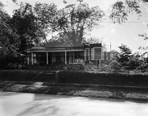 Primary view of object titled '[Historic Property, Photograph THC_17-0676]'.