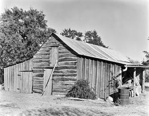 Primary view of object titled '[Historic Property, Photograph THC_12-0422]'.