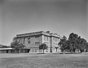 Primary view of object titled '[Seguin High School]'.