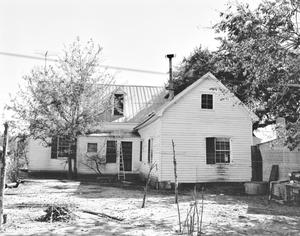 Primary view of object titled '[Historic Property, Photograph THC_13-1376]'.
