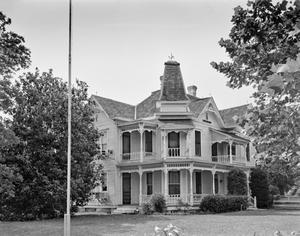 Primary view of object titled '[Dr. Clinton Residence, (Southeast oblique)]'.