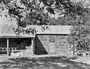Primary view of object titled '[Historic Property, Photograph THC_12-0421]'.