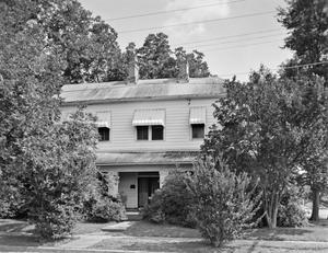 Primary view of object titled '[Historic Property, Photograph THC_16-1032]'.