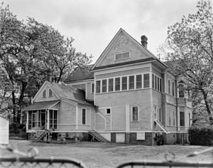 Primary view of object titled '[Weisman House, (Southwest oblique)]'.