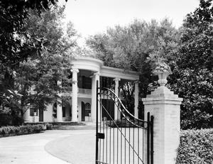 Primary view of object titled '[Coke Dilworth House]'.