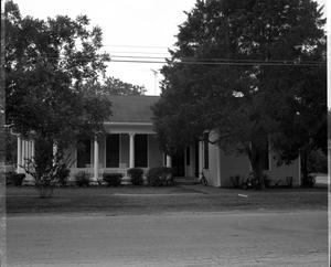 Primary view of object titled '[Furnow Home, (Southwest corner 4th and South Penn)]'.
