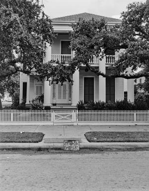 Primary view of object titled '[Historic Property, Photograph THC_14-0594]'.