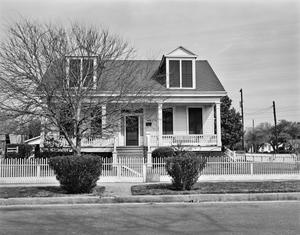 Primary view of object titled '[Historic Property, Photograph THC_14-0401]'.