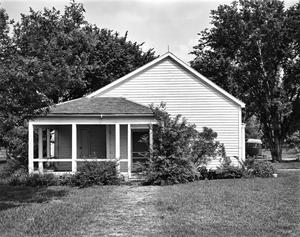 Primary view of object titled '[Peach Point Plantation, (East elevation)]'.