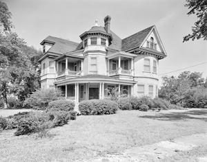 Primary view of object titled '[Pierce Daniels House, (Southeast oblique)]'.