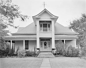 Primary view of object titled '[Crowell House]'.