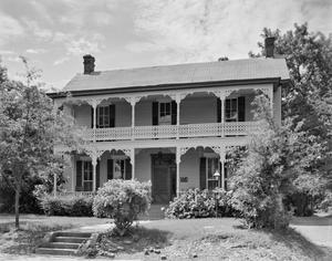 Primary view of object titled '[Historic Property, Photograph THC_16-0617]'.