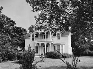 Primary view of object titled '[Dr. R.E.S. Bouldin House, (South facade)]'.
