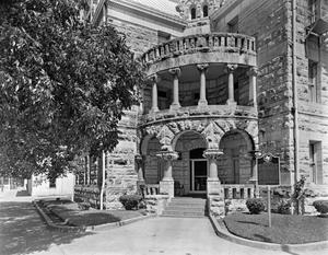 Primary view of object titled '[Comal County Courthouse (New Braunfels Plaza), (Portico detail)]'.