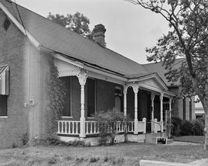 Primary view of object titled '[Historic Property, Photograph THC_16-1000]'.