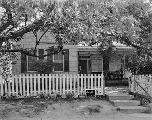 Primary view of object titled '[Historic Property, Photograph THC_15-0240]'.