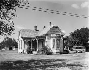 Primary view of object titled '[Historic Property, Photograph THC_17-0732]'.