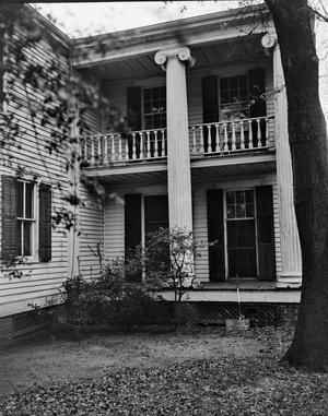 Primary view of object titled '[Historic Property, Photograph THC_14-1140]'.