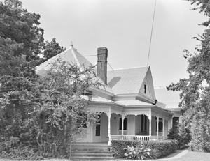 Primary view of object titled '[Jones Residence]'.