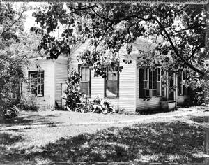 Primary view of object titled '[Swanson House, (Southeast oblique)]'.