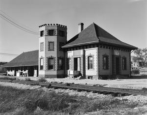 Primary view of object titled '[Burlington-Rock Island Railroad Depot, (Southeast oblique)]'.