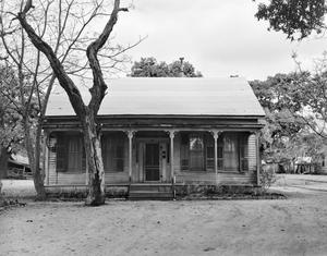 Primary view of object titled '[Historic Property, Photograph THC_13-1318]'.