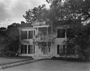 Primary view of object titled '[J.L. Short Residence]'.