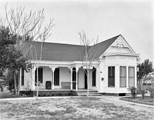Primary view of object titled '[Schnabel House, (East oblique)]'.
