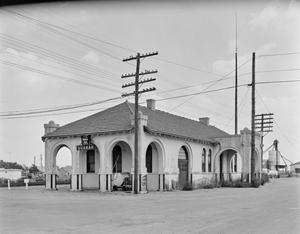 Primary view of object titled '[Quanah, Acme, and Pacific Depot]'.
