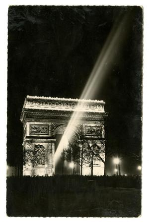 Primary view of object titled '[Postcard of Arc de Triomphe]'.