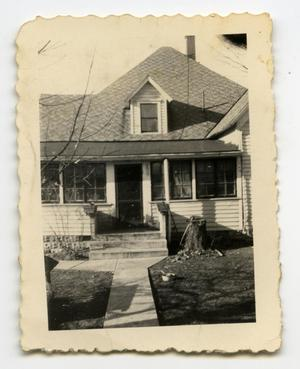 Primary view of object titled '[Photograph of Harralson House]'.