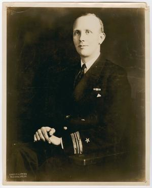 Primary view of object titled '[Portrait of Lieutenant Commander Robert R. M. Emmet]'.