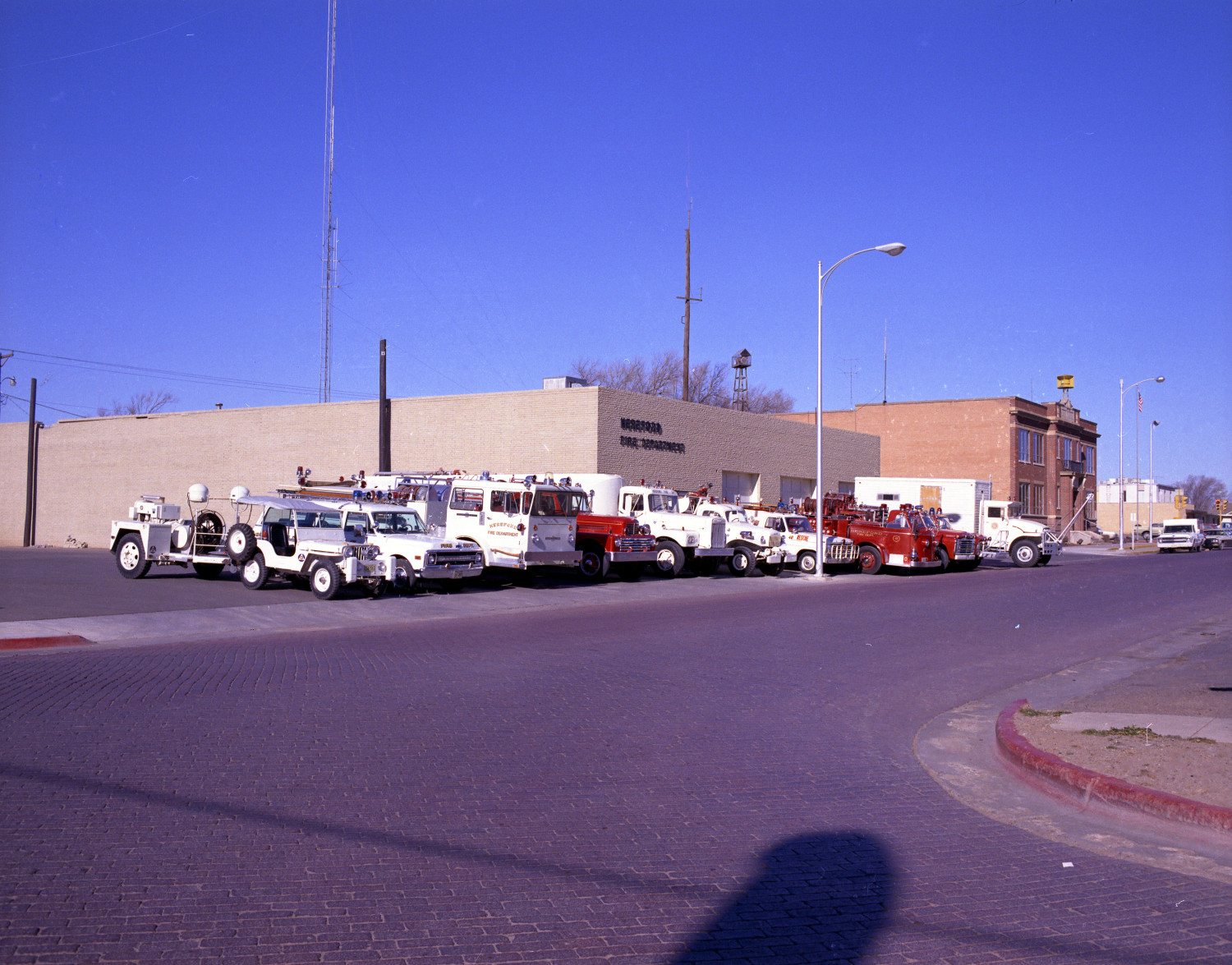 [Hereford Fire Department's Vehicles in 1971]                                                                                                      [Sequence #]: 1 of 1