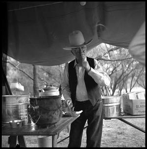 joe b  matthews in 10 gallon hat
