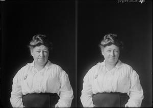 Primary view of object titled '[Heavyset Woman]'.