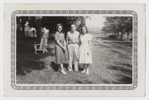 Primary view of object titled '[Photograph of an Unknown Man, Woman, and Girl]'.