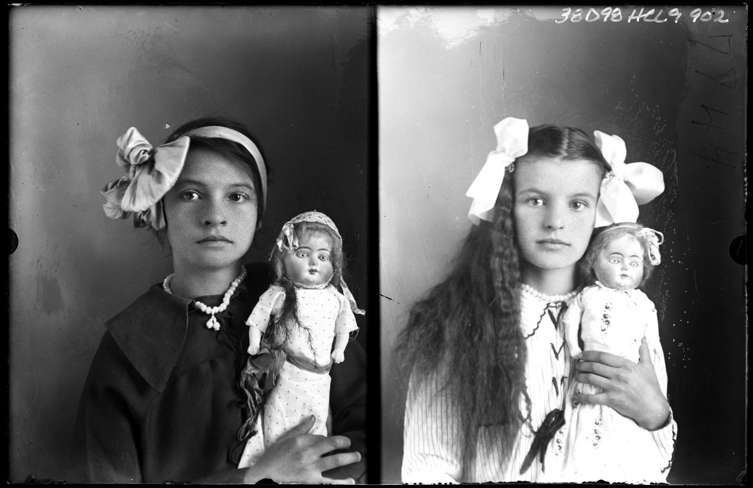 [Portraits of Girls with Dolls]                                                                                                      [Sequence #]: 1 of 1