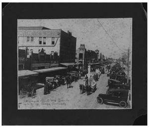 Skidmore Float in Beeville Parade in 1916