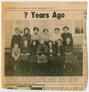 Primary view of object titled '[Newspaper Clipping with a Photograph of the 1904 Elocution Class at Grapevine College]'.