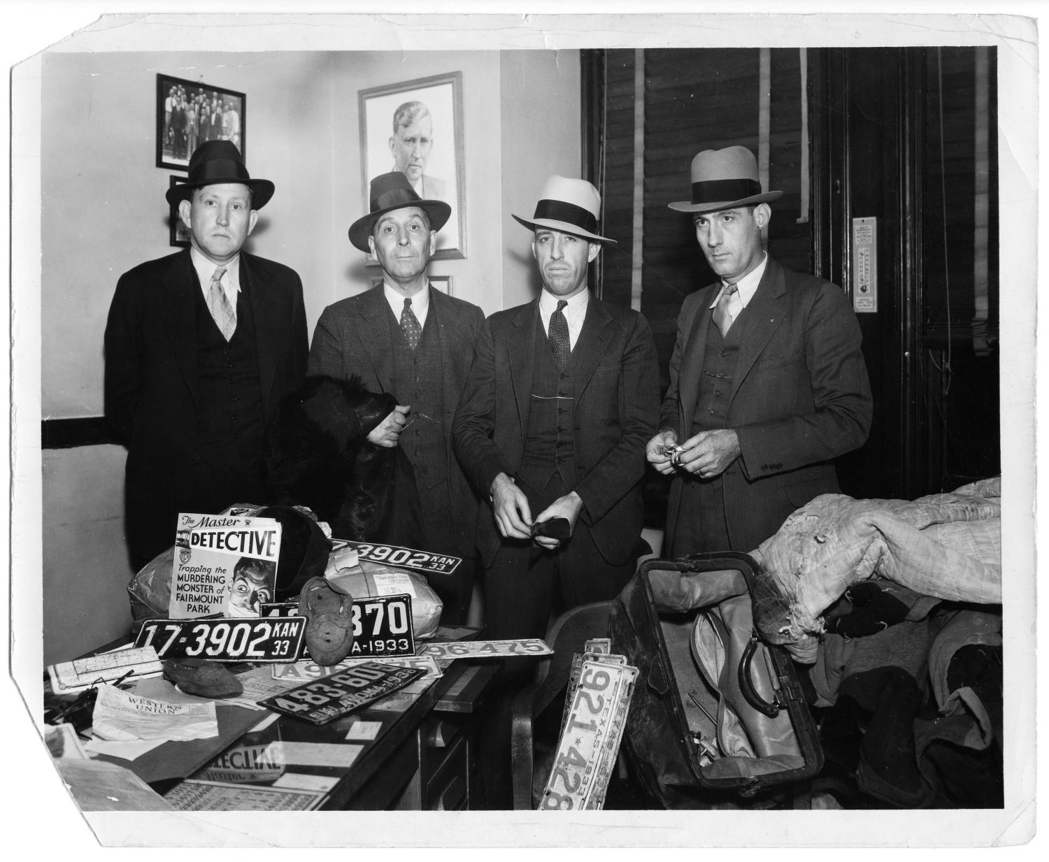 Bonnie And Clyde Car >> [Dallas County Sheriff's Department With Items from Clyde Champion Barrow's Car] - The Portal to ...