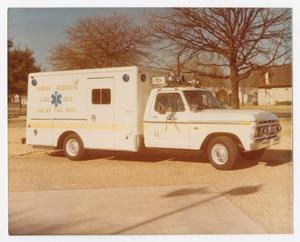 Primary view of object titled '[Dallas Fire Department's Mobile Intensive Care Unit]'.
