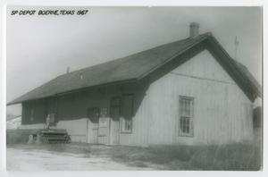 Primary view of object titled '[Postcard of SP Depot, Boerne, Texas]'.