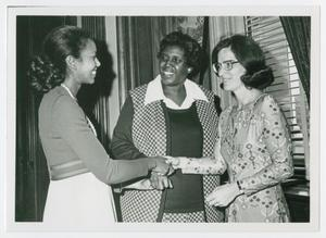 Primary view of object titled '[Barbara Jordan Speaks with Two Unidentified Women]'.