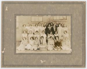 [Photograph of 1931-1932 Salado High School Students]