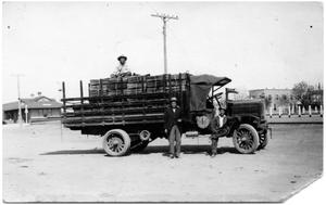 Primary view of object titled 'Brite Ranch Hands in Marfa for Supplies'.