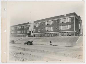 Primary view of object titled '[Austin Junior High School]'.