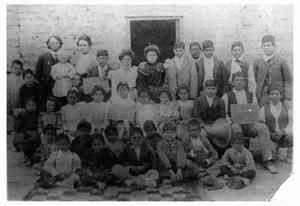 Primary view of object titled 'Schoolchildren in Ruidosa, Texas in 1904'.