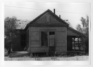 Primary view of object titled '[Old Home in West Texas]'.
