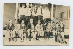 [Photograph of Murphy School Students]